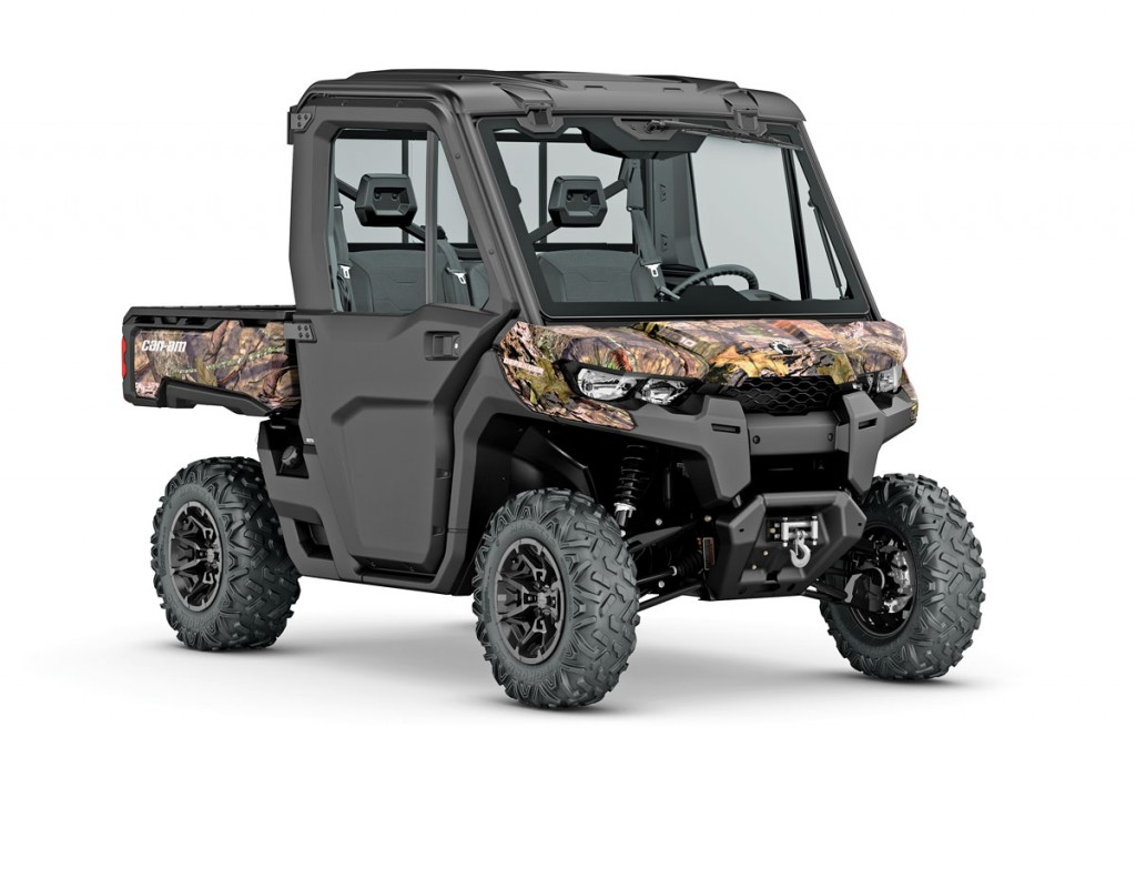 UTV37_2016-Defender-XT-CAB-HD10-Mossy-Oak-Break-Up-Country-Camo_3-4-front