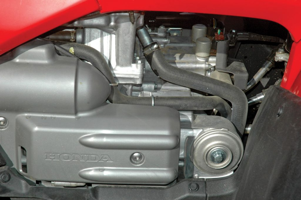 test honda rincon 680 utv action magazinethe fuel injected, fourvalve, pushrod engine isn\u0027t as tall as the