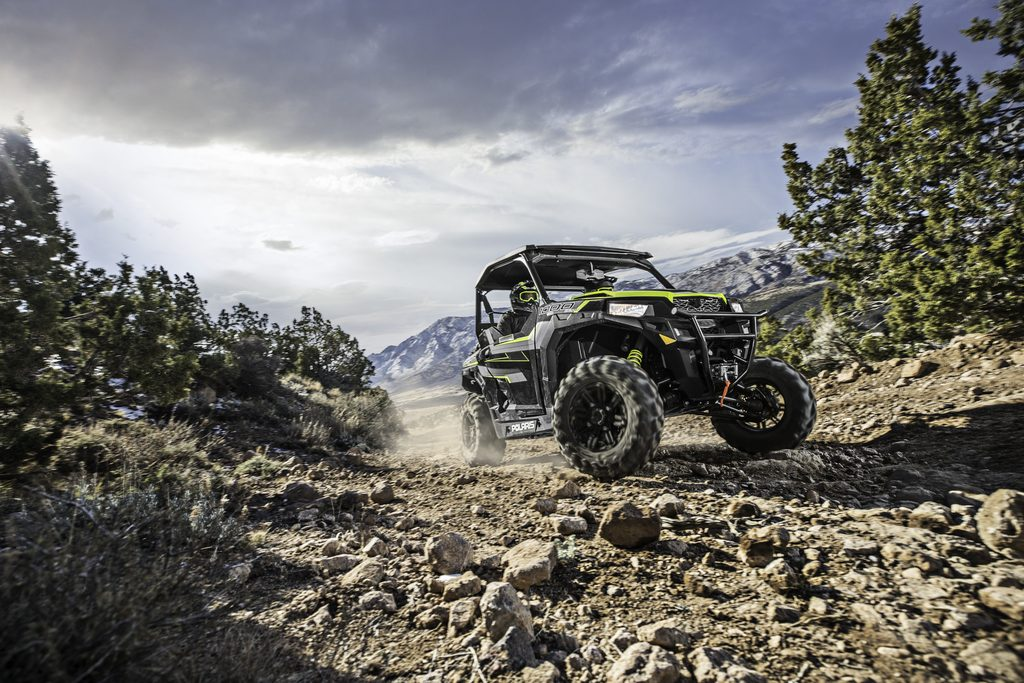 The Polaris General 1000 EPS Ride Command Edition Black Pearl features the RIDE COMMAND 7-inch display and several accessories that integrate into the system including front and rear cameras, and a MTX Premium 8-Speaker Audio system. Other standard accessories include a front bumper, Polaris HD 4500-pound winch, Poly Sport Roof and FOX QS3 shocks.