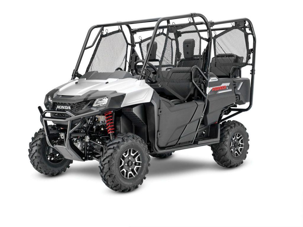 UTVBG55_17_Honda_Pioneer_700_4_Deluxe_silver_metallic