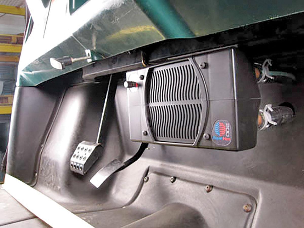 Bed Fan Cooling System >> UTV FULL-CAB ENCLOSURES | UTV Action Magazine